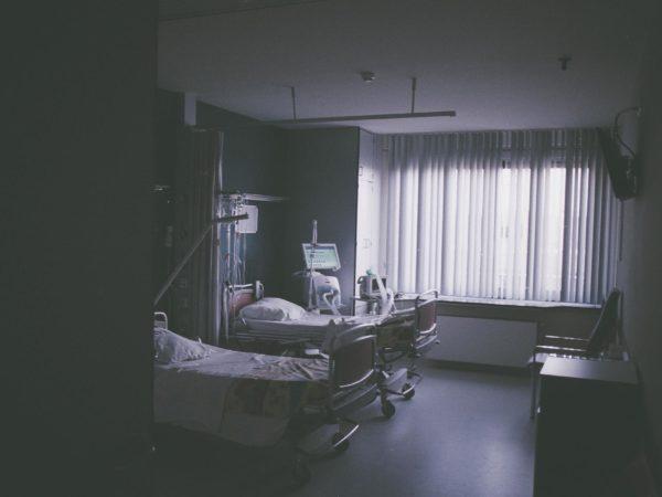 Möglichst keine Fixierung – Mehr Schutz von Menschen in Haft und Psychiatrie