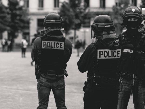"""Grund- und Freiheitsrechte gegen staatliche Angriffe verteidigen – Dubiose Finanzierung des """"Europäischen Polizeikongresses"""" aufklären"""